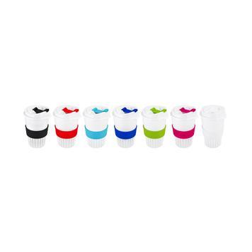 Coffee-to-go-Becher mit farbigen Applikationen